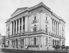 Queensland National Bank in Brisbane in Old Photos, Vintage Photos, Queen Creek, Brisbane Queensland, Banks Building, Vintage Architecture, Old City, Historical Photos, Past