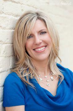 Corporate headshot - woman | Emily Hixon Photography (www.emilyhixon.com)