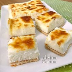 Estos pasteles de queso fáciles se preparan con pocos ingredientes sencillos. En un momento tienes un postre perfecto para cortar en porciones y compartir.