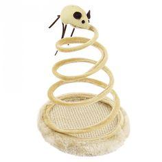 Revestido de pelúcia macia, o brinquedo rato na mola é recomendado para gatos de todas as idades, seu gatinho passará horas tentando pegar o ratinho que sempre fugirá de suas garras. Feito com uma base pesada de madeira de 15 cm para garantir que o brinquedo fique de pé o maior tempo possível, rss.