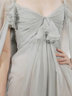 Christian Lacroix Haute Couture Fall Look at the skin- perhaps tans are going out of style. Would be better for women's health. Christian Lacroix, Pretty Dresses, Beautiful Dresses, Runway Fashion, High Fashion, Fashion Trends, Himiko Toga, Mode Inspiration, Fashion Details