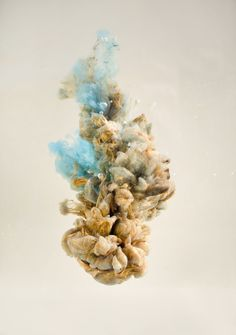 Double exposure images blend figures and faces with plumes of ink in water South African artist Chris Slabber High Speed Photography, Double Exposure Photography, Food Photography, 2160x3840 Wallpaper, Water Sculpture, Ink In Water, South African Artists, Montage Photo, Call Art