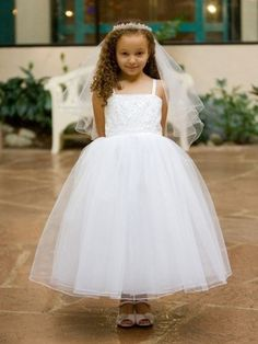 White or Ivory Lovely Beads and Tulle Princess Dress  SKU : KD8037  Availability: In stock  List Price: $149.99  Sale Price: $69.99  You Save: $80.00 (53.3%)  Quick Overview  Satin bodice is filled with lovely beads and pearls. Full flare Tulle skirt makes this dress look simple yet beautiful and elegant.