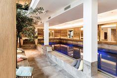 Indoorpool im Livingroom SPA //  Landhotel Voshövel