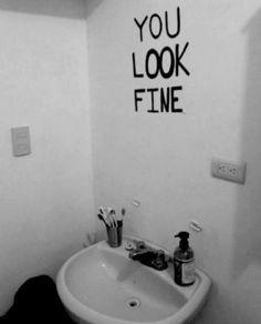 será que este debería ser nuestro espejo...jejejejje me causo gracia