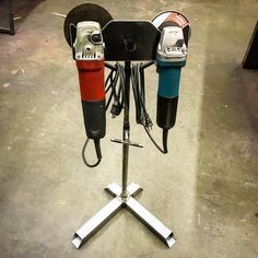 Metal lathe projects ideas metal projects ideas grinder stand but i think i could use the basic idea from this metal projects ideas country home decor Welding Classes, Welding Jobs, Diy Welding, Welding Table, Metal Welding, Welding Shop, Metal Projects, Welding Projects, Welding Ideas