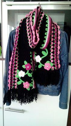 Crochet Scarves, Crochet Shawl, Knit Crochet, Beautiful Crochet, Knitting Designs, Eminem, Shawls, Mittens, Lana