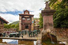 Visita al pueblo de Bárcena Mayor, Cantabria, España Spain Travel, Big Ben, Mansions, House Styles, Building, Landscapes, People, Alphabet, Places To Travel