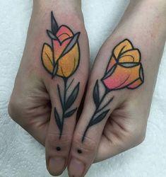 Top Tattoos, Finger Tattoos, Body Art Tattoos, Tattoo Drawings, Tattoo Skin, Color Tattoos, Knuckle Tattoos, Sweet Tattoos, Traditional Tattoo Flowers