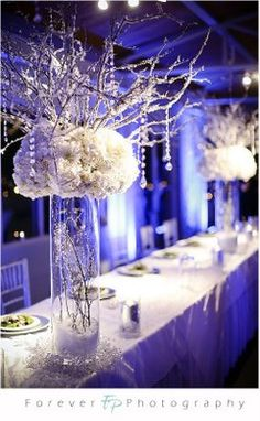 crystal and white table settings | make up my mind on colours though orginally I wanted black and white ...