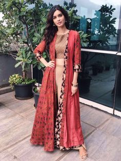 Diana Penty [Diana Penty looking gorgeous in this indo western dress.just loved the colors and everything'bout this dress] Pakistani Dresses, Indian Dresses, Indian Outfits, Indian Attire, Indian Ethnic Wear, Ethnic Suit, Estilo India, Collection Eid, Diana Penty
