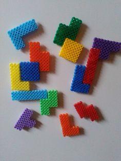 Kühlschrankmagnete - 14x Kühlschrankmagnet, Bügelperlen, Tetris, - ein Designerstück von Astrid-Zauberstuebchen bei DaWanda