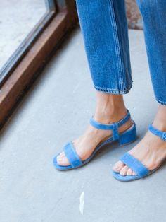 Sock Shoes, Cute Shoes, Me Too Shoes, Shoe Boots, Look Fashion, Fashion Shoes, Womens Fashion, Denim Fashion, Paris Fashion