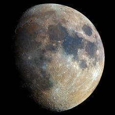 Bartosz Wojczynski - Impressionantes fotografias da lua em alta resolução clicadas por um amador da varanda de sua casa!