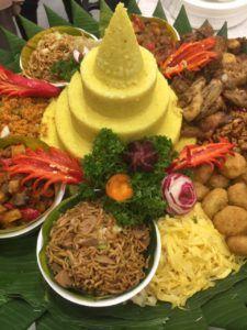 085692092435 Catering murah dan enak di jakarta, catering enak untuk acara di rumah: Pesan Nasi Tumpeng Di Pasar Minggu Jakarta Selatan...