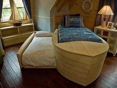 Wooden boat bed - theme your child's room around Olympic events! Bedroom Themes, Kids Bedroom, Bedroom Decor, Nautical Bedroom, Kids Rooms, Nautical Theme, Bedroom Ideas, Cool Beds, Kid Beds