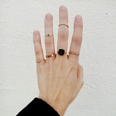 Jewels: tumblr knuckle ring ring gold ring gold jewelry jewelry black and gold statement ring