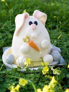 Easter Bunny Cake by studiocake, via Flickr find vintage Easter collectibles on Ruby Lane www.rubylane.com #easter