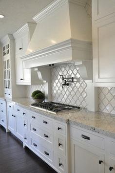 Pretty White Kitchen Design Idea 15