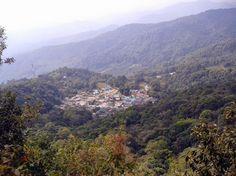 Hmong village under the Doi Pui mountain  (watch my travelblog: http://ramingodentro.blogspot.it/2015/03/chiang-mai-seconda-volta-e-il-parco-doi.html)