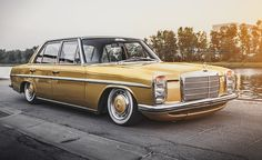 Mercedes-Benz W 114 - This car really stands out to me, it shows again how a classic can be re-born with a modern twist. Mercedes W114, Old Mercedes, Classic Mercedes, Mercedes Benz Cars, Retro Cars, Vintage Cars, Automobile, Mercedez Benz, Pickup Trucks