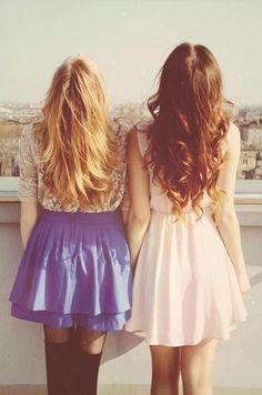 blonde & brunette matching :)