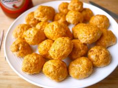 Healthy Buffalo Turkey Meatballs (paleo, GF) recipe. Baked Paleo meatballs made with lean ground turkey, almond flour, spices, an egg, and Frank's RedHot Original hot sauce.
