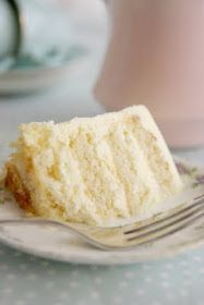 The Whimsical Wife: Tasty Tuesday - Fluffy Vanilla Cake With Lemon Buttercream!