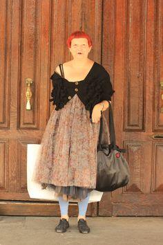 #LynnYaeger #COMMEdesGARCONS #fashion #mode #moda #women #Paris #streetstyle #streetview #street #style #offcatwalk on #sophiemhabille