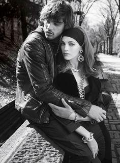 O ex-casal mostrou sintonia no ensaio feito pelas lentes de Victor Demarchelier para a edição de dezembro da Vogue espanhola