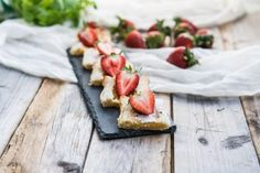 nopeat mansikkaleivokset Deserts, Ethnic Recipes, Food, Desserts, Eten, Postres, Dessert, Meals, Plated Desserts