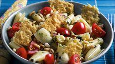 Når du ønsker et vegetaralternativ med knasende ost og frisk tomat, basilikum og krydder.  Restene kan du kaste i en salat og servere til lunsj.