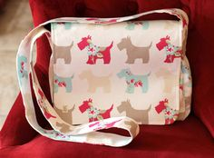 Small messenger style bag made with adorable Scottie dogs printed on cotton duckcloth. by PuppyPawzBoutique on Etsy
