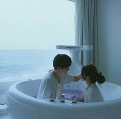 ulzzang couple in water