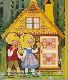 Wat opvalt is dat Grietje altijd een blauw jurkje draagt met een witte short over aan. Ook het peperkoekenhuisje is een belangrijk element van het sprookje!