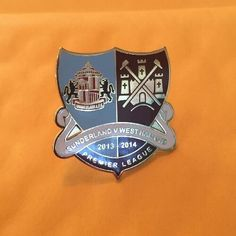 West Ham Utd Vs Sunderland Badge Crest Pin