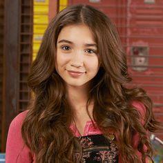 Alegre y responsable, Riley adora a su familia y a sus amigos. Es una gran estudiante y siempre intenta hacer lo correcto.