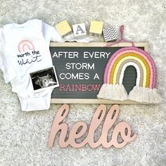 Sibling Baby Announcements, Creative Baby Announcements, Unique Pregnancy Announcement, Rainbow Baby Announcement, Baby Announcement Pictures, Baby Announcement Cake, Pregnancy Reveal Photos, Baby Life Hacks, Miracle Baby