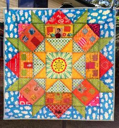Blue Mountain Daisy: 4 Cheers for 4 Years - A Giveaway. Swoon House Block Mini quilt