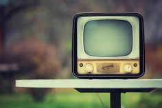 10 old school ads that would be banned today - beliefnet Electronics Storage, How To Become, How To Get, Funny Ads, 8th Sign, Vintage Tv, Box Tv, You Videos, Mind Blown