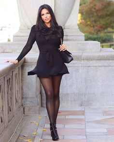 Ootd Fashion, Fashion Stylist, Fashion 2020, Womens Fashion, Fashion Trends, Nylons, In Pantyhose, Pantyhosed Legs, Lovely Eyes