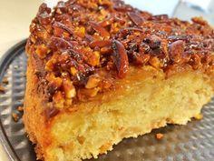 Apfelkuchen mit Stücken und Nussknusper-Kruste :) ganz einfach - http://feinkostpunks.de/apfelkuchen-mit-nuss-karamell-und-zimt/