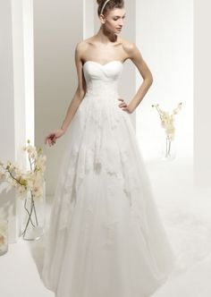 Attractive A-line Strapless Lace with Organza Wedding Dress Online