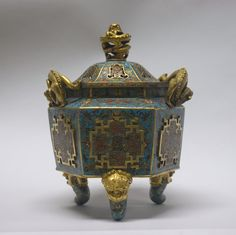 Covered Incense Burner. Period: Qing dynasty (1644–1911), Kangxi period (1662–1722). Culture: China. Medium: Cloisonné enamel on copper.
