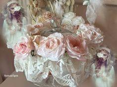 couronne shabby en blanc et rose de roses de papier Wedding Belts, Wedding Sash, Bridal Sash, Couronne Shabby Chic, Fabric Flowers, Paper Flowers, Maternity Sash, Baby Headbands, Flower Headbands