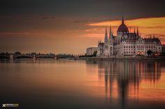 Parliament reflexion by Krénn Imre on 500px