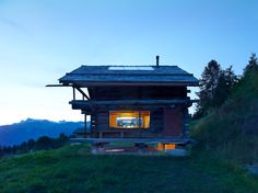 TLM, Transformation D'un Grenier - Picture gallery Small Log Cabin, Cosy House, Chalet Style, House Extensions, Ground Floor, Interior Architecture, Beautiful Homes, Cottage, House Design