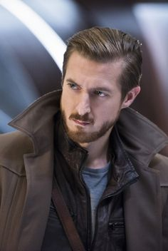 Arthur Darvill says that even with his Time Bureau, Rip Hunter isn't done working with the Legends of Tomorrow in the new season. Rip Hunter, Arthur Darvill, Dc Tv Series, Dc Comics, Avengers, Dominic Purcell, Brandon Routh, Justice League Unlimited, Dc Legends Of Tomorrow