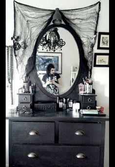 ___╋ I love Gothic ╋___      minus the spider webs.....