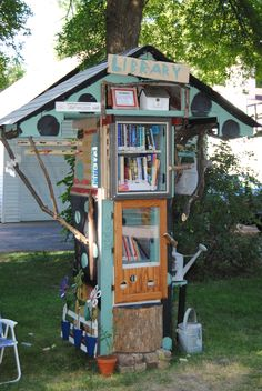 Shana Stoll. Roseville, MN. Our Little Free Library was built by a creative and artist grandpa with help from 6 enthusiastic grandkids. Except for the Plexiglas the library is made completely of repurposed materials! We have a wide variety of books. Children and youth books are in the bottom door and the top door holds all different genres of reading materials for the taller (and older) readers. Please come visit our one-of-a-kind Little Free Library. Don't forget to sign the guest book!